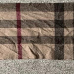 Sell Burberry scarf.